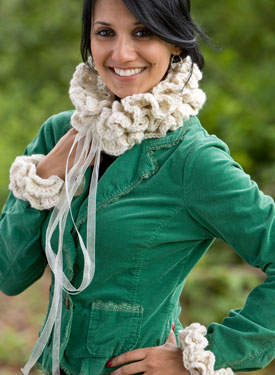 Dorrit Collar &Ruffled Cuffs Crochet Pattern