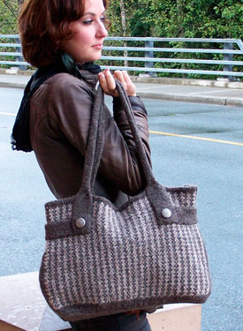 Felt Like Tweed Bag with bonus Mini Cellphone Purse pattern
