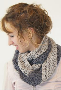 Double Twist Crochet Cowl