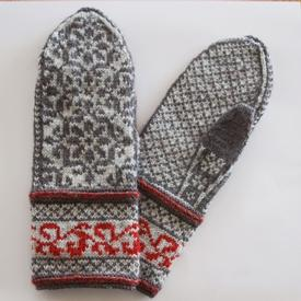 Blooming Lattice Mittens