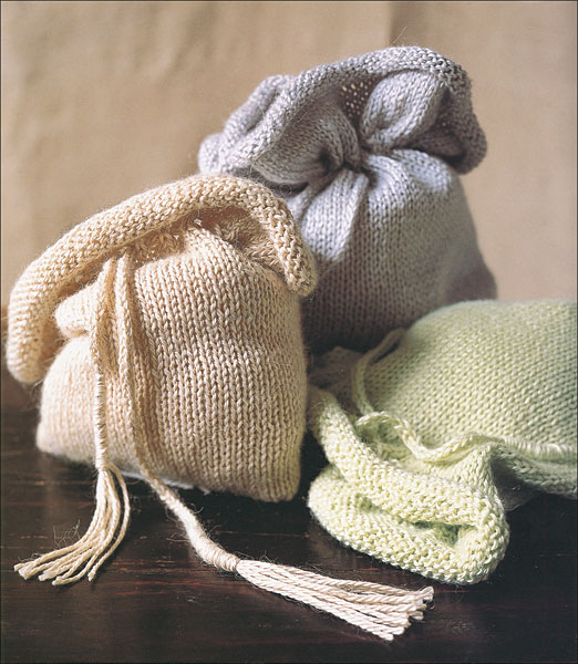 Knitting Pattern For A String Bag : Soft Drawstring Pouch Pattern - Knitting Patterns and ...