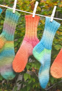 Cushy Chroma Socks