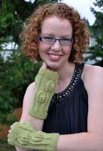 Autumn Leaves Fingerless Gloves  Pattern