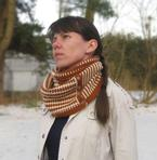 Geometric Illusion Cowl Pattern