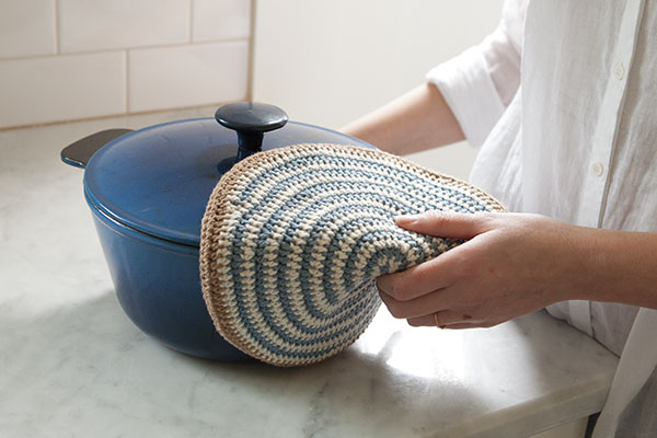 Swirly Crocheted Pot Holder Pattern