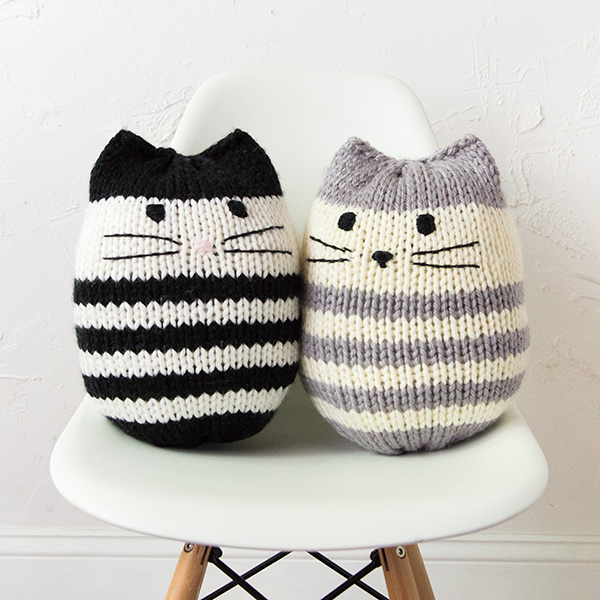 Mini Kitty Pouf (pillow) Pattern