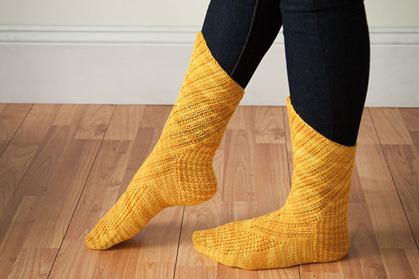 Oblique Socks Pattern