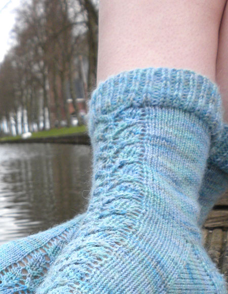 Airy Lace Panel Socks - Knitting Patterns and Crochet ...