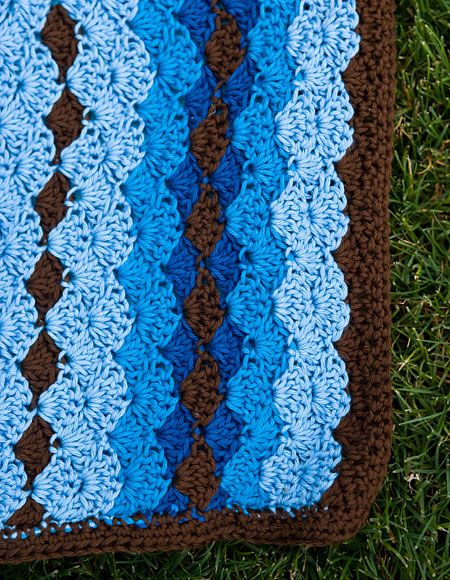 Knitting Pattern Snuggle Blanket : Shell Stitch Snuggle Blanket - Knitting Patterns and ...