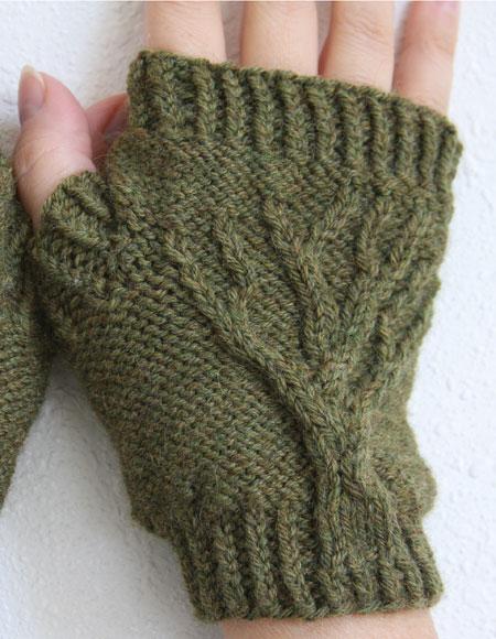 Knitting Patterns Uk Fingerless Gloves : Tree of life fingerless gloves knitting patterns and
