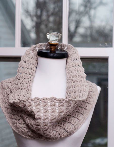 Pavo Knit Lace Cowl Knitting Patterns And Crochet Patterns From