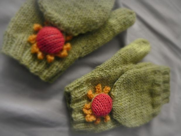 Convertible Mitten Knitting Pattern : Blooming Convertible Mittens & Gloves - Knitting Patterns and Crochet Pat...