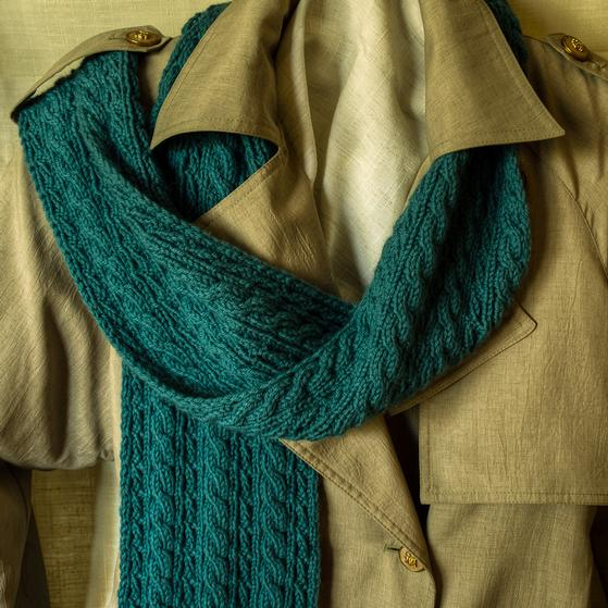 Reversible Knit Scarf Pattern Free : Cable Lovers Reversible Scarf - Knitting Patterns and Crochet Patterns f...