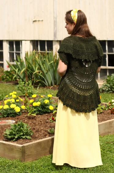 Knitting Pattern Circle Jacket : Swing-in-a-Circle Crochet Sweater - Knitting Patterns and Crochet Patterns fr...