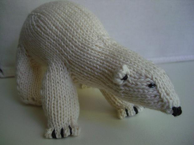 Peabey The Bear Knitting Patterns And Crochet Patterns From