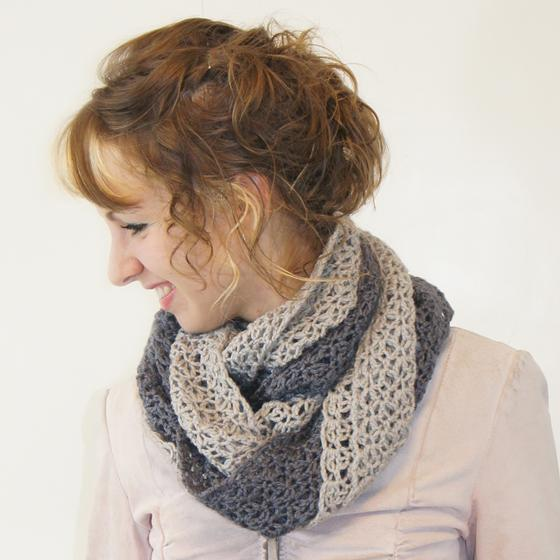 Double Twist Crochet Cowl - Knitting Patterns and Crochet Patterns from KnitP...