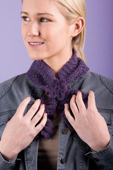 Clover Keyhole Scarflette Knitting Patterns And Crochet Patterns