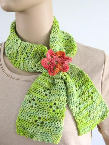 Knitting Pattern For Scarflette : Clover Keyhole Scarflette - Knitting Patterns and Crochet ...