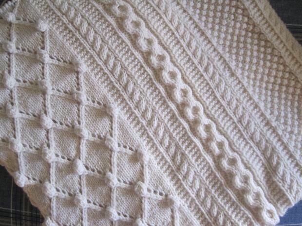 Free Afghan Knitting Patterns Circular Needles : Diamonds and Bobbles Afghan - Knitting Patterns and Crochet Patterns from Kni...