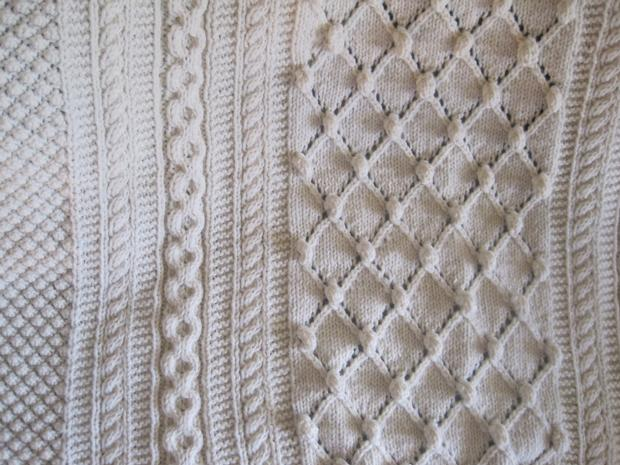 Diamond Afghan Knitting Pattern : Diamonds and Bobbles Afghan - Knitting Patterns and Crochet Patterns from Kni...
