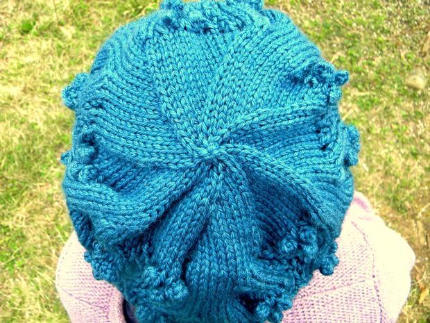 Free Knitting Pattern Dk Beret : Floreselle DK Slouchy Beret - Knitting Patterns and Crochet Patterns from Kni...
