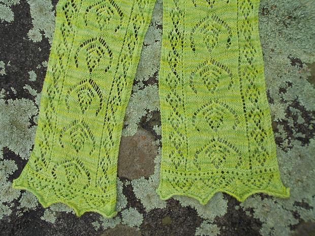 Shetlands Fairy Fern Scarf Knitting Patterns And Crochet Patterns