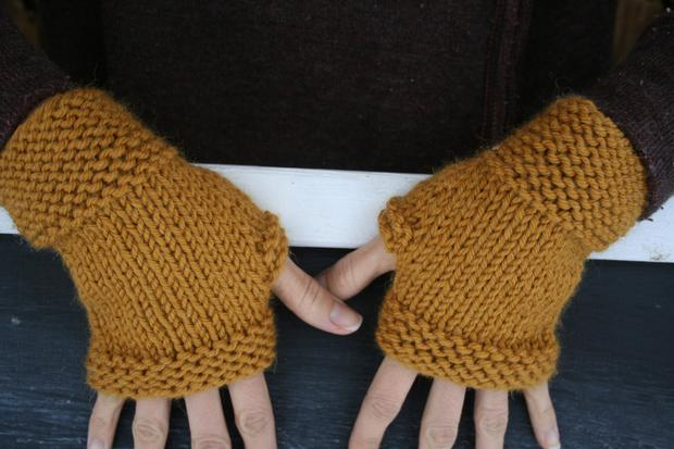 My First Fingerless Mittens - Knitting Patterns and Crochet Patterns ...