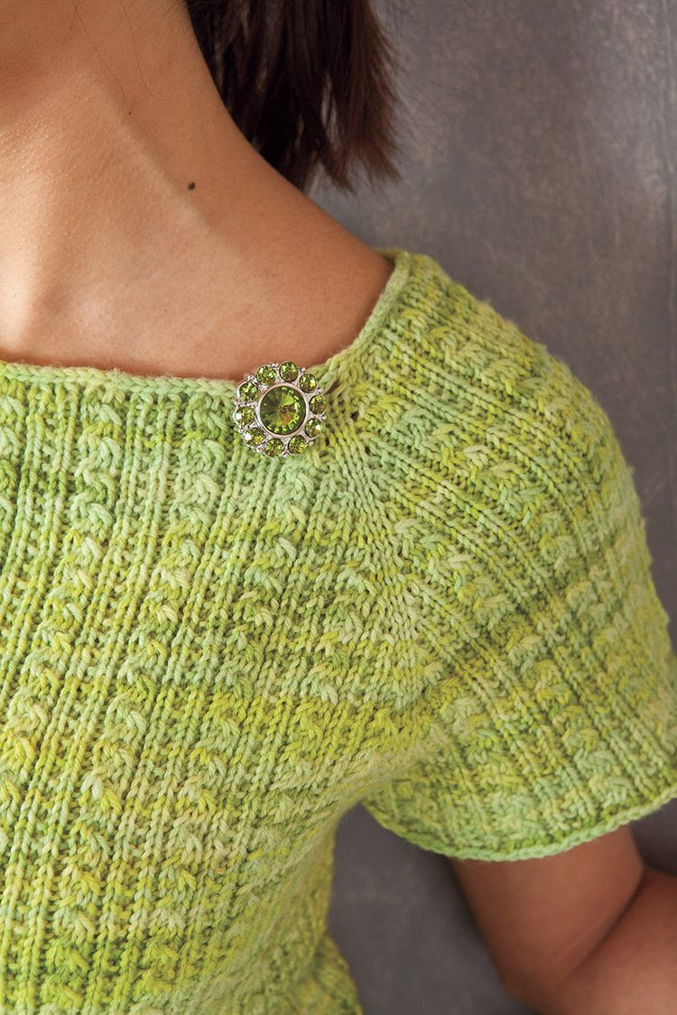 Sauriel Top-Down Raglan Top Pattern - Knitting Patterns and Crochet Patterns ...