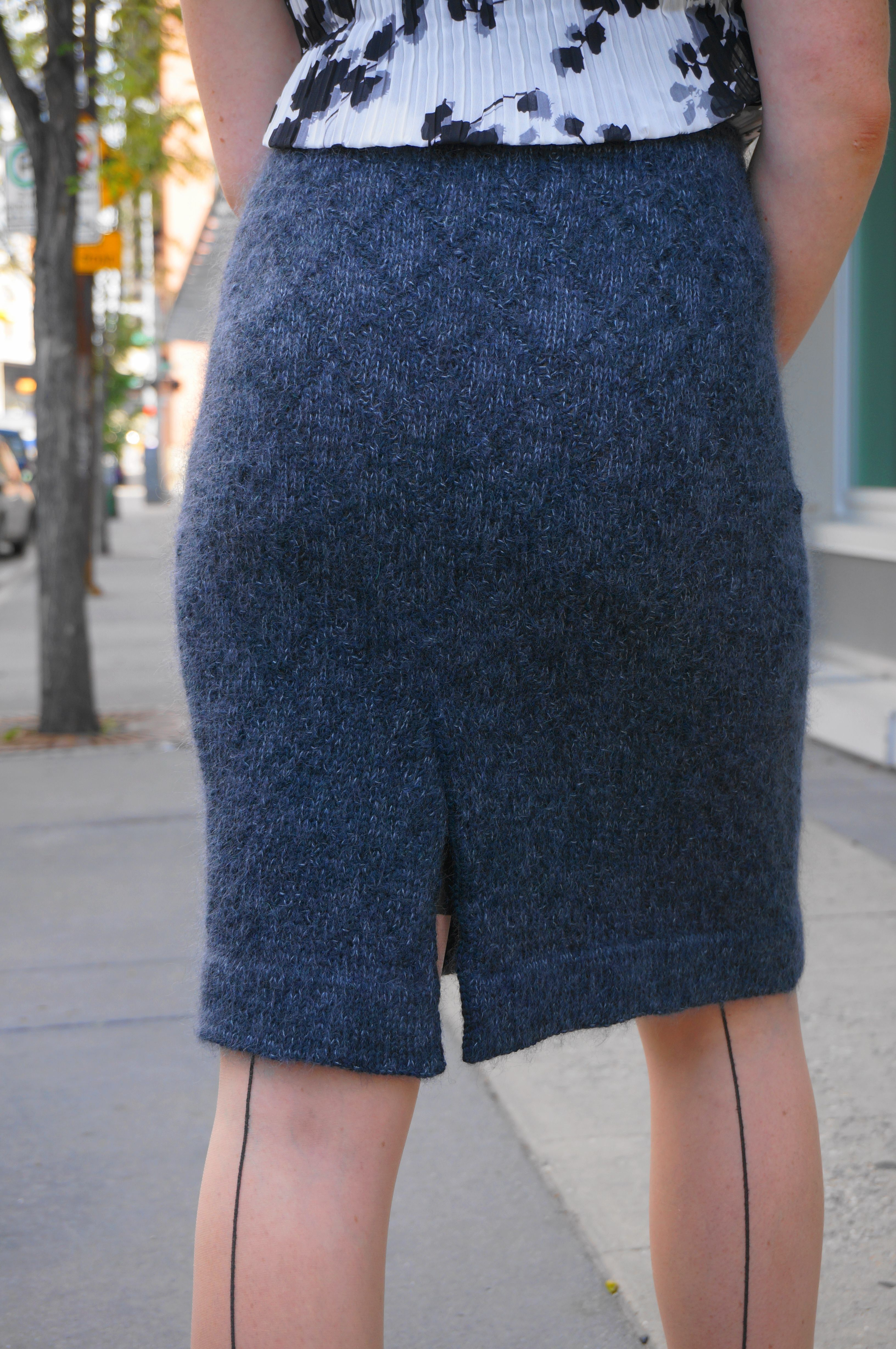 The Helen Pencil Skirt Knitting Patterns And Crochet Patterns From