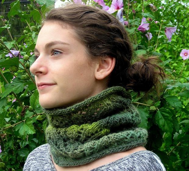 Fancy Free Cowl Knitting Patterns And Crochet Patterns From