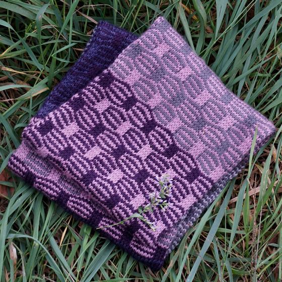 Wavy Infinity Scarf - Knitting Patterns and Crochet ...