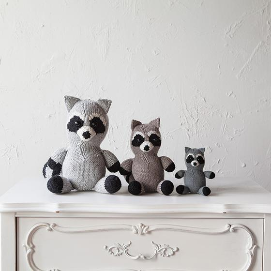 Pippen The Raccoon Knitting Patterns And Crochet Patterns From