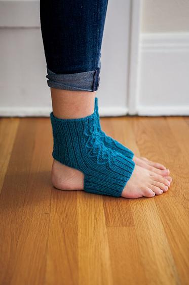 Breathe Yoga Socks Knitting Patterns And Crochet Patterns From
