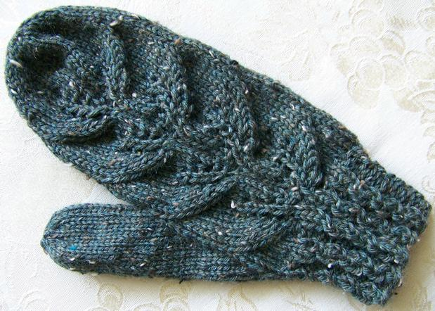 Layered Leaves Fingerless Mitts or Mittens - Knitting Patterns and ...