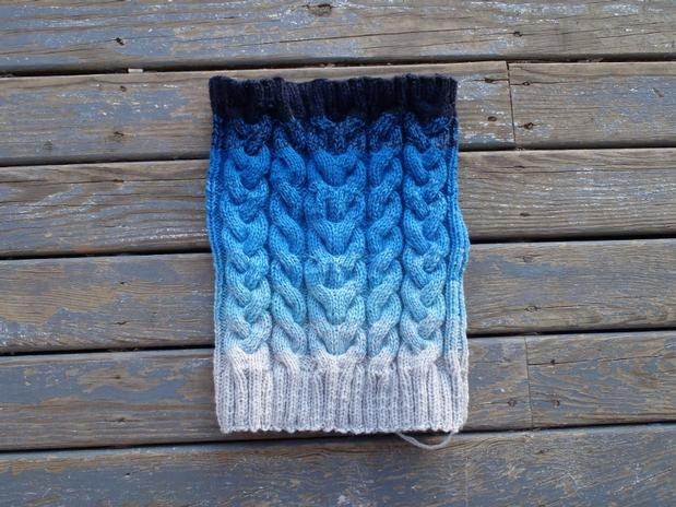 Gradient Cable Cowl Knitting Patterns And Crochet Patterns From