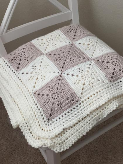 Arielles Square Blanket Knitting Patterns And Crochet Patterns