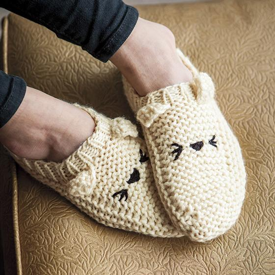 Meow Ccasin Slippers Knitting Patterns And Crochet Patterns From