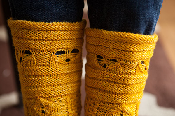 Busy Bees Socks Knitting Patterns And Crochet Patterns From