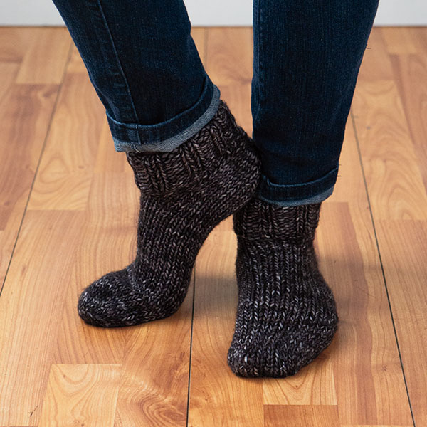 Chunky Knit Socks Pattern : Chunky Slippers Pattern - Knitting Patterns and Crochet Patterns from KnitPic...