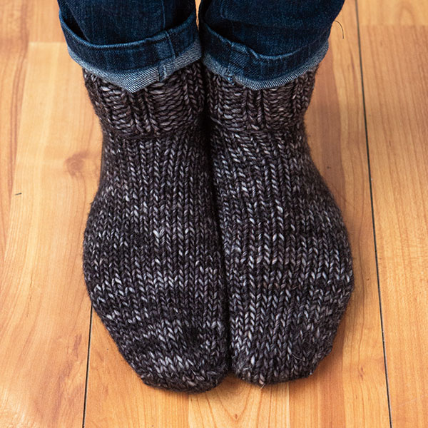 Bed Socks Knitting Pattern 2 Needles : Chunky Slippers Pattern - Knitting Patterns and Crochet Patterns from KnitPic...