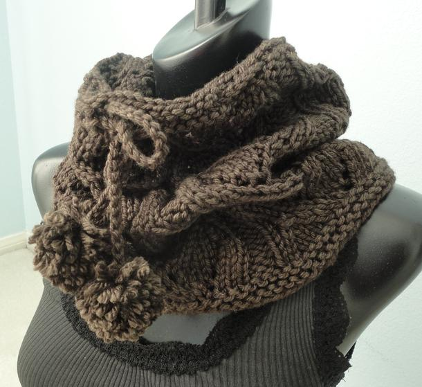Drawstring Lace Cowl - Knitting Patterns and Crochet Patterns from KnitPicks.com