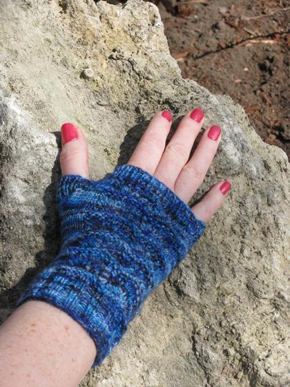 Fingerless Gloves Knitting Pattern Magic Loop : Naida Beret & Fingerless Gloves - Knitting Patterns and ...