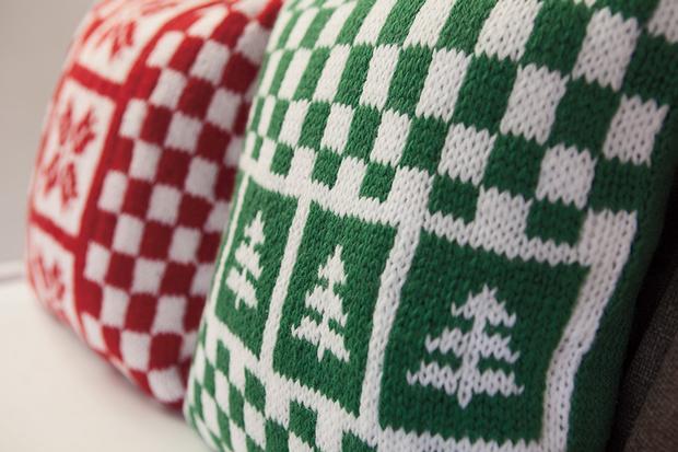 Free Knitting Patterns Christmas Pillows : Holiday Pillow Set - Knitting Patterns and Crochet Patterns from KnitPicks.com