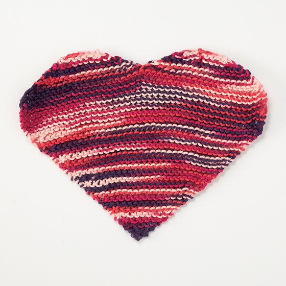 Queen of Hearts Dishcloth - Knitting Patterns and Crochet Patterns ...
