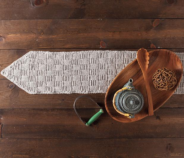 Tissiere Table Runner - Knitting Patterns and Crochet Patterns from ...