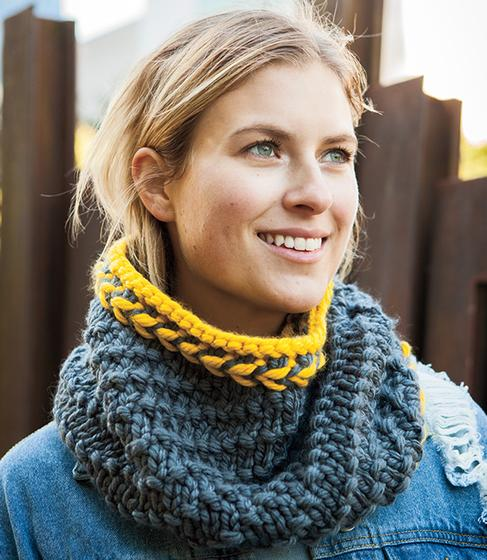 Twist Ending Cowl Knitting Patterns And Crochet Patterns From