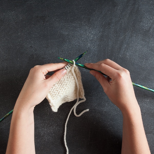 Learn to Knit: Purl Stitch Continental