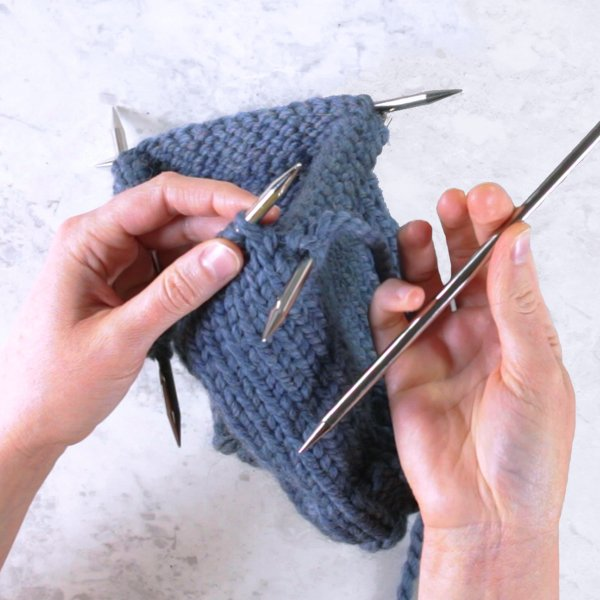 Knitting in the Round: DPNs
