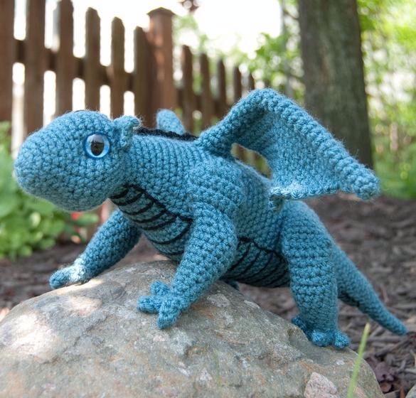 Valentin, The Baby Dragon - Amigurumi Pattern - Delicious Crochet | 560x585