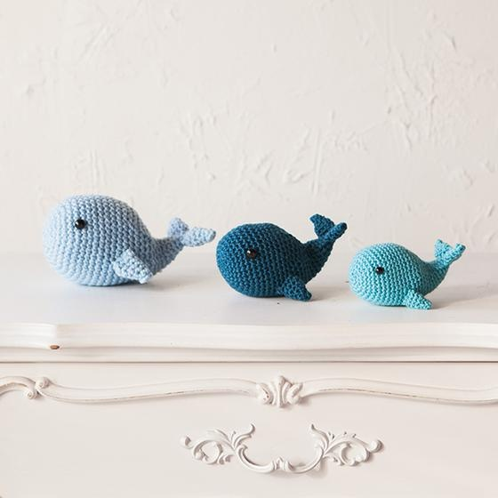 Free Amigurumi Whale Pattern - Knits and Knots by AME   560x560